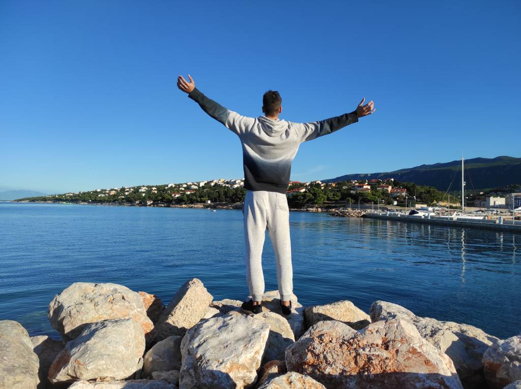 Luka Hinić - Healthy Vibrant Life - Acceptance